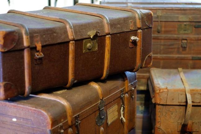 trunks-1527657_960_720