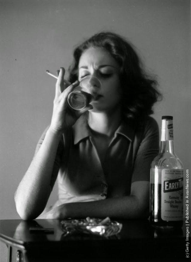 e3f02b62f4eb47281921c7550be3337e--photographs-of-women-vintage-photographs.jpg